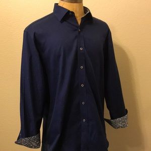 Men's size Large Classic Fit Robert Graham shirt